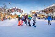 Der erste Eiszauber auf der St.Galler Kreuzbleiche zog im Winter 2018/19 rund 30'000 Besucherinnen und Besucher an. (Bild: Urs Bucher - 18. Januar 2019)