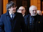 Der spanische Oberste Gerichtshof hat weitere internationale Haftbefehle gegen Ex-Mitglieder der katalanischen Regionalregierung erlassen. So etwa gegen den ehemaligen Regionalminister Lluis Puig (rechts). (Bild: KEYSTONE/EPA/STEPHANIE LECOCQ)