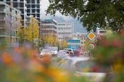 Der Kanton Zug hat die zweithöchste Zunahme an Motorfahrzeugen der Schweiz. (Bild: Maria Schmid, Zug, 30. Oktober 2019)