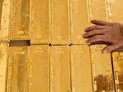 Goldene Zeiten für Gold: Der Handelskonflikt zwischen den USA und china sowie das Brexit-Drama sorgen für eine starke Nachfrage nach dem Edelmetall. (Bild: KEYSTONE/MARTIN RUETSCHI)