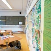 Blick in ein Schulzimmer des Schulhauses Finstersee. Bild: Maria Schmid (Menzingen, 4. Mai 2016)