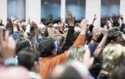 Die Stimmberechtigten der Primarschulgemeinde stimmen am 25.November über die Vereinbarung ab.Bild: Luca Linder (25.November 2013)