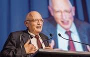 Günter Verheugen, 75 Jahre alt und kein bisschen leise, am Wirtschaftsforum Thurgau. Bild: Reto Martin (Weinfelden, 7. November 2019)
