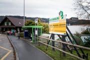 Mit dieser Tafel werben der Gemeinderat und die Eberli Sarnen AG seit kurzem für das Generationenprojekt Buchrain Dorf. (Bild: Manuela Jans-Koch, 7. November 2019)