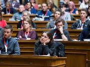 Das Bundeshaus in den Händen der Jugend: Auch dieses Jahr treffen sich 200 Jugendliche, um über aktuelle politische Themen zu diskutieren. (Bild: KEYSTONE/PETER KLAUNZER)