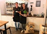 Kaffee Rösterei 13 / 15 im ehemaligen «Pic»: Susanne Gruss (links) und Sarah Bürgi sind die neuen Gastgeber. (Bilder: Romano Cuonz, Sarnen, 6. November)