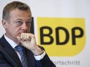 Die BDP von Parteipräsident Martin Landolt hat nach den Wahlen keine Fraktionsstärke mehr. Sie will sich nun wie die EVP der CVP-Fraktion anschliessen. Die gemeinsame Fraktion soll den Namen «Mitte-Fraktion» tragen. (Bild: KEYSTONE/GIAN EHRENZELLER)