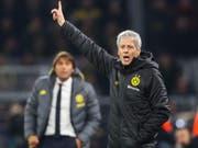 Hinter Dortmunds Trainer Lucien Favre liegen ungemütliche Wochen. Die Klischee-Kritiker schweigen inzwischen allerdings wieder (Bild: KEYSTONE/EPA/FRIEDEMANN VOGEL)