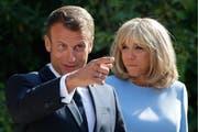 Gern an der Macht: Emmanuel und Brigitte Macron. (Bild: Getty, 19. August 2019)