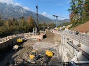 Die Baustelle für das Auslaufbauwerk des Hochwasserentlastungsstollens in Alpnach mit der Startgrube für die Tunnelbohrmaschine. (Bild: PD)