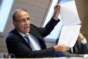 Migros-Regionalpräsident Damien Piller wehrt sich unter anderem mit Gutachten gegen die Vorwürfe, er habe ungerechtfertigt 1,7 Millionen Franken an zwei seiner Firmen abgezweigt. (Bild: Anthony Anex/Keystone)