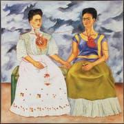 «Die zwei Fridas» zählt zu Frida Kahlos wenigen grossformatigen Gemälden. Es befindet sich im Museo de Arte Moderno in Mexico City. (Bild: AP)
