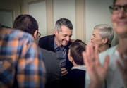 Neuer Stadtrat: Fabrizio Hugentobler mit Sohn und Ehefrau Suzana.