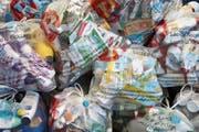 Der Recycling-Sack im Einsatz. (Bild: Verein IG Recycling-Sack)