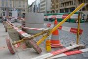 Auch in Basel blies Sturm Uwe Bauabschrankungen um. (Bild: Georgios Kefalas / Keystone, Basel, 10. Februar 2019)