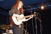 Akustische Einlage von Veronica Fusaro, nur mit Gitarre und Sampler. (Bild: Christian Imhof)