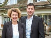 Monika Roost-Brunner und Patrick Schneider schaffen im ersten Wahlgang den Sprung in den Aadorfer Gemeinderat. (Bild: Kurt Lichtensteiger)