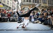 Der Breakdance-Battle auf dem Bärenplatz ist eine der beliebtesten Vorstellungen des Jungkult-Festivals. (Bild: Ralph Ribi, 2017)