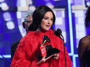 Gewann den Grammy-Musikpreis für das «Album des Jahres»: die US-Country-Sängerin Kacey Musgraves mit ihrem Album «Golden Hour». (Bild: KEYSTONE/AP Invision/MATT SAYLES)