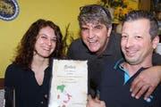 Sonja Bruno war regelmässig im Centro zu Gast. Neben ihr Wirt Giuseppe Fonseca und Luigi Piccolo.
