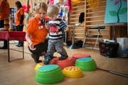 Unterhaltung für die Kleinen, Bildung für die Eltern: Die Elbi-Expo 2016 im Gossauer Fürstenlandsaal. (Bild: Benjamin Manser)