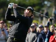 Phil Mickelson zeigt auch mit 48 Jahren einen eleganten und kraftvollen Schwung (Bild: KEYSTONE/AP/ERIC RISBERG)