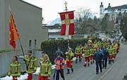 Die traditionelle Prozession mit den Statuen der Heiligen Agatha und des Landesheiligen Bruder Klaus. (Bild: Robert Hess (Sarnen, 9. Februar 2019))