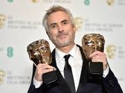 «Unglaubliche Ehre»: der mexikanische Filmregisseur Alfonso Cuarón bei der Verleihung der britischen Filmpreise. (Bild: KEYSTONE/EPA/NIK HALLEN)
