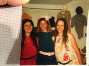 Trudi Ottiger (rechts) 1985 bei der Eröffnung von «La Robe» gemeinsam mit ihren Geschäftspartnerinnen