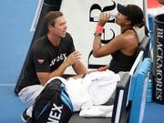 Naomi Osaka (rechts) trennt sich von Trainer Sascha Bajin (links) (Bild: KEYSTONE/AP/TERTIUS PICKARD)