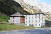 Zwei Urner sind die neuen Besitzers des Hotels Wilhelm Tell auf dem Urnerboden und der benachbarten Dépendance. (Bild: Bruno Arnold, Urnerboden, 10. Oktober 2018)