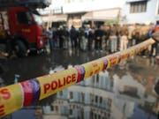 35 Personen wurden aus dem brennenden Hotel in der indischen Hauptstadt Neu-Dehli gerettet. (Bild: KEYSTONE/AP/MANISH SWARUP)