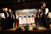 Die Berner Jodler auf der Bühne. (Bild: Manuela Olgiati)