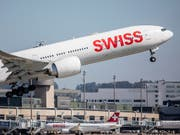Swiss transportiert im Januar 5,4 Prozent mehr Passagiere. (Bild: KEYSTONE/CHRISTIAN MERZ)