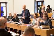 Die Stadtratsbank im Parlamentssaal (von links): Markus Buschor, Maria Pappa, Stadtpräsident Thomas Scheitlin, Sonja Lüthi und Peter Jans. (Bild: Ralph Ribi - 30. Oktober 2018)