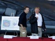 Der abtretende Chef der US-Katastrophenschutzbehörde, Brock Long, mit Präsident Donald Trump. (Bild: KEYSTONE/AP/EVAN VUCCI)