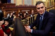 Pedro Sánchez erreicht das Parlament für die Debatte. (Bild: Chema Moya / Keystone, Madrid, 13. Februar 2019)