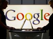Nachrichten-Suchmaschinen wie Google sollen künftig an Presseverlage in der EU Geld für Urheberrechte zahlen. (Bild: KEYSTONE/AP/JENS MEYER)