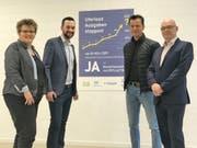 Von links: SVP-Parteipräsidentin Ursula Egli, FDP-Parteipräsident Claudio Altwegg, Markus Fust, Präsident Arbeitgebervereinigung, so- wie Rolf Baumgartner, Vizepräsident Gewerbeverein. (Bild: PD)