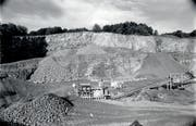 Im Juni 1990 war der Steinbruch Campiun in Sevelen noch durch die Basaltstein AG in Betrieb. (Bild: Hansruedi Rohrer (24. Juni 1990))