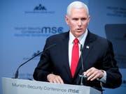 US Vizepräsident Mike Pence spricht am Samstag an der Münchner Sicherheitskonferenz. (Bild: Keystone/EPA/RONALD WITTEK)