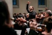 Dirigent Benjamin Rapp leitet den Kammerchor Luzern in der Matthäuskirche. (Bild: Philip Schmidli, 16. Februar 2019)