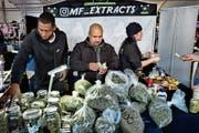 Cannabishändler in Adelanto, einer Stadt im US-Bundesstaat Kalifornien. (Bild: Richard Vogel/Keystone (29. Dezember 2018))