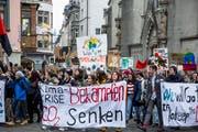 Die Klimaaktivisten fordern, die Treibhausgasemissionen bis ins Jahr 2030 auf null zu reduzieren.