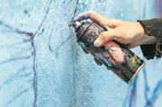 Drei junge Urner sollen zusammen fast 100 Graffiti gesprayt haben. (Symbolbild: Vincent Guerault, Getty Images/iStockphoto)
