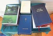 Die Bibel. Aktuell liegt sie als Gesamtwerk in fast 700 Sprachen vor. (Bild: Werner Schelbert)