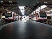 Zentralbahn-Züge im Bahnhof Luzern. (Bild: Matthias Piazza, Luzern, 27. Juni 2018)