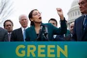 Die demokratische Kongressabgeordnete aus New York, Alexandria Ocasio-Cortez. (Bild: EPA/Shawn Thew)