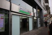 Die Automatenzone der Migros-Bank am Schibenertor bleibt während der Nachtstunden am Wochenende geschlossen. (Bild: Jessy Nzuki)