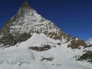 Die beiden Bergsteiger stürzten an der Ostflanke des Matterhorns rund 600 Meter in die Tiefe. (Bild: Kantonspolizei Wallis)